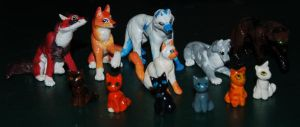 Wolf and Cat Figurines by CaptainMorwen