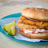 Coconut chicken burger with carmelized pineapple by Pokakulka