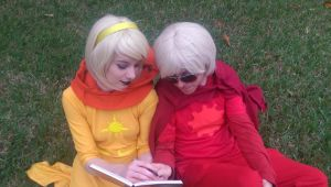 Dave: let me see that for a sec by BellaMorteCosplay