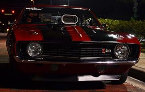 Z28 on a Saturday night by Nutdeep