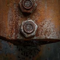 Under Pressure by tholang