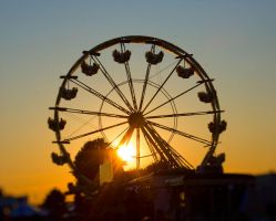 Ferris Wheel 1 Selective Focus by funygirl38