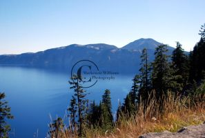 Crater Lake by saudimack