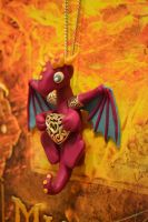 Pendant dragon by AnnyDolls