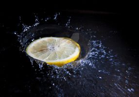 Lemon and water splash. by Eevl