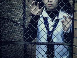 caged II by sophiaazhou