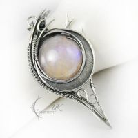 LUNTAROX  - silver and moonstone by LUNARIEEN
