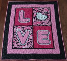 Hello Kitty Love Quilt by quiltoni