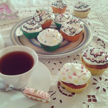 cupcakes time by PiccolaGhI