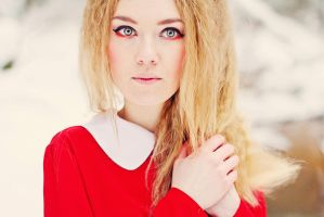 Red and White II by HilliDarK