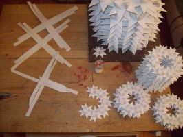 Star wreaths in the making 2 by Yonaka-Yamako
