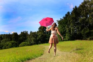 the pink umbrella by Dodephine