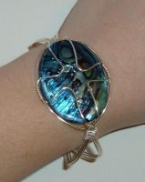 Wire-wrapped cabachon bracelet by DT76