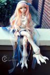 Sitting Pretty by tinaheart