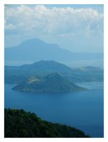 Taal Volcano by BeanBagWarrior