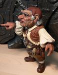 Labyrinth Hoggle figure side 2 by Skulpturen