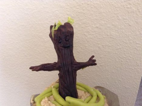 Baby Dancing Groot by zaythar