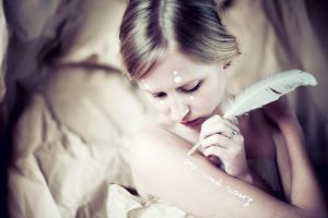 crease v by farbanomalie