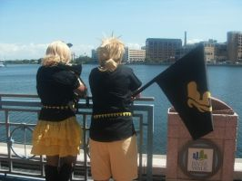 Rin and Len Kagamine 6 ~ Metrocon 2012 by DespicablyAwesome