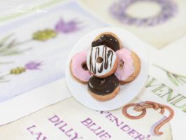 Brooch with donuts by OrionaJewelry