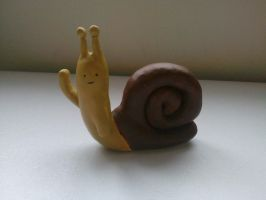 ceramic waving snail by AlexisM96