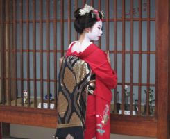Maiko (Red) - 19 by rin-no-michiei