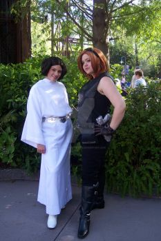 Mara Jade and Princess Leia, SWW 2010 by StageDoorGraphix