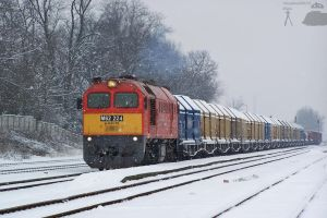 M62 224 with a freight train by morpheus880223