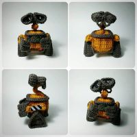 Wall-e Amigurumi by AnyaZoe