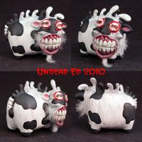 Mutated Cow ooak  figurine by Undead-Art