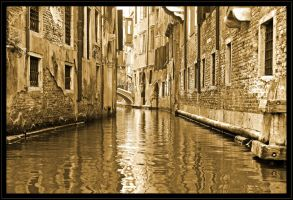 Venice waterway by H6RM