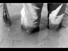 My legs in the water by ruinobrega