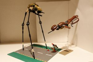 LEGO Half-Life 2 Combine Strider and Gunship by NeweRegion
