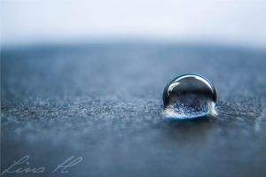 Blue Drop by Desighty