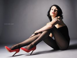 red shoes by mochulski