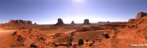 Morning in Monument Valley by zaleone