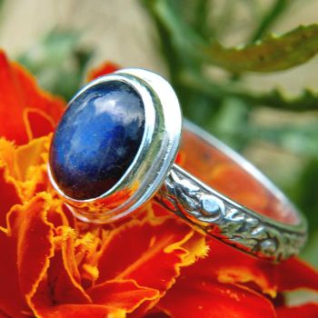 Ultramarine Labradorite Ring by metalsmitten