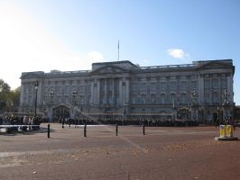 Buckingham Palace by Heartache-On-A-Plate