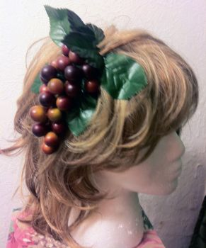 Megs Grapes Hairclip by strapple