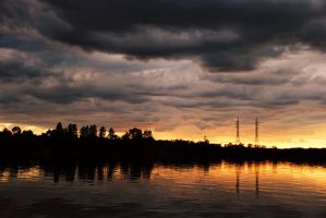 Sunset on the Volkhov by almaclone