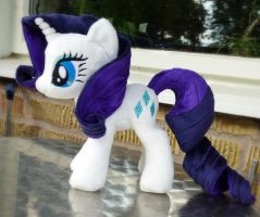 Rarity plushie by Epicrainbowcrafts