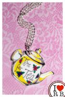 Teapot necklace by prettyboyswearpink