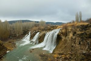 Muradiye Waterfall by museby