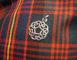 celtic knot pendant 2 by Aranglinn