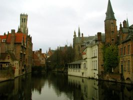 cold, cloudy, beautiful Bruges by 007-strikes-again