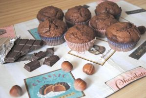 Chocolate and hazelnut muffins by nuclearpomegranate