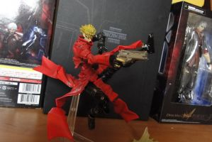 VASH ESTAMPIDA TRIGUN REVOLTECH 3 by JIN17094