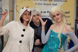 Frozen Cosplay - Jack Frost Photobomb by starryeyedq