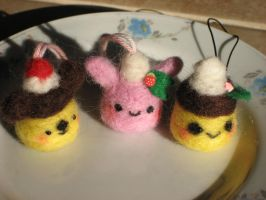 Needle Felted Puddings by kneazlegurl125