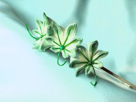 Green momiji kanzashi headband by elblack